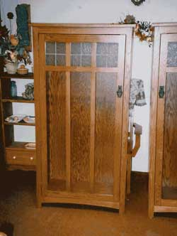 Amish Custom Made Oak Mission Curio with Antiqued Leaded Glass