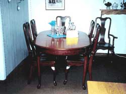 Amish Custom Made Cherry Oval Queen Anne Table